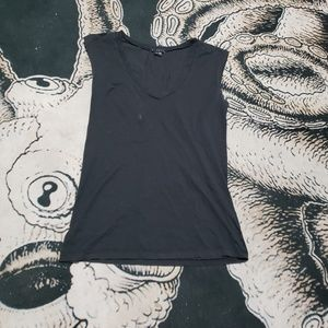 Theory black v neck short sleeve top blouse M